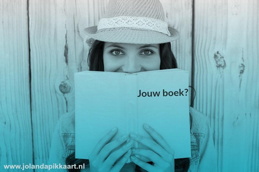 Jolanda met een boek