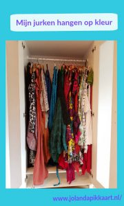 Mijn jurken hangen op kleur - structuur van je boek