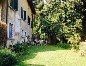 Buiten schrijven in Toscane